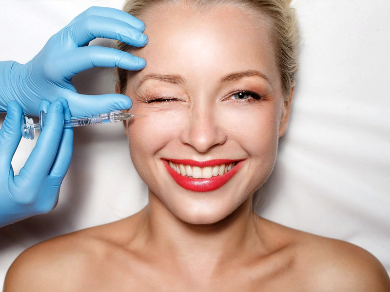 Процедуры по уходу за кожей, которые можно сделать в салоне красоты